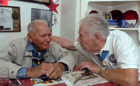 John Finn (l) and Frank Curry (r), two of the nation's oldest Medal of Honor recipients